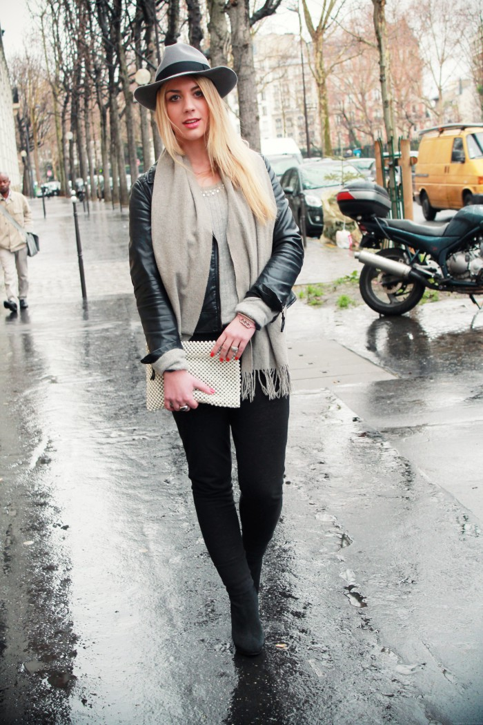 Grey weather, grey outfit !